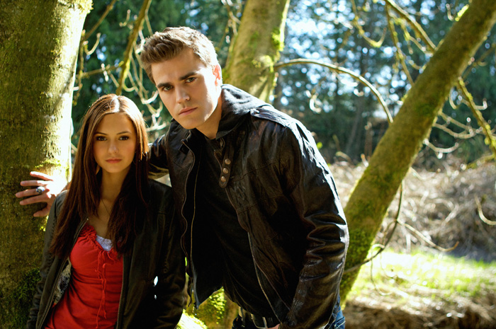 The Vampire Diaries - Page 6 Elena_e_stefan